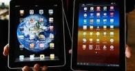Дмитрий Медведев пересаживает правительство с iPad на Samsung