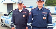 В Омске наградят инспекторов ДПС, которые потушили бензовоз