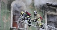 В Омске во время ночного пожара в многоэтажке были эвакуированы свыше 60 человек