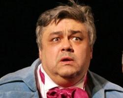 Актер Александр Бондаренко умер во время спектакля
