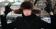 В Омске грабители в мороз отняли у прохожего куртку и шапку