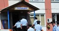 В Омской области полицейский избил задержанного и устроил торговлю «палёным» коньяком